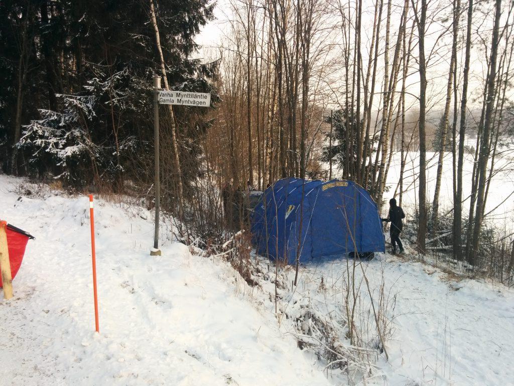 Essun teltta tarjosi tuulensuojaa metsästä palaaville